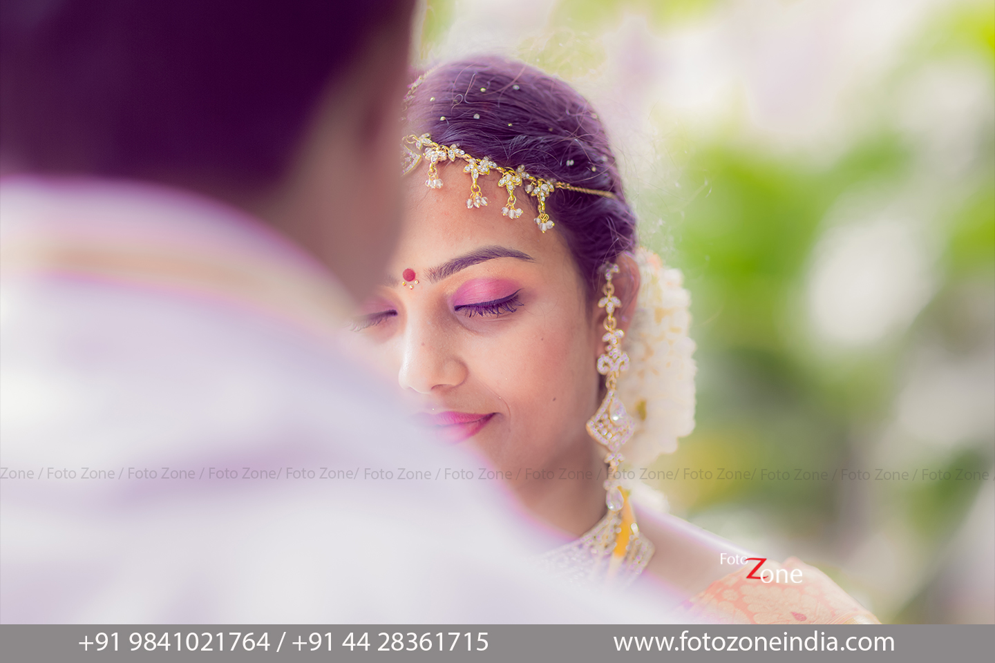 Candid Wedding Photography Services