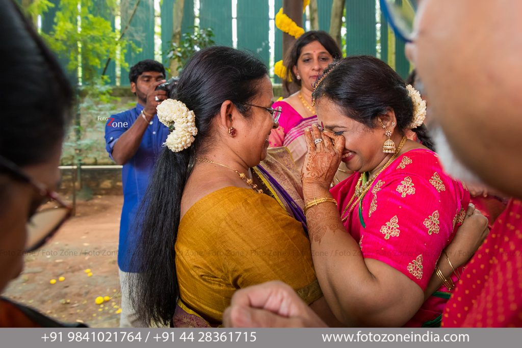 Capturing emotions & happy moments in the wedding